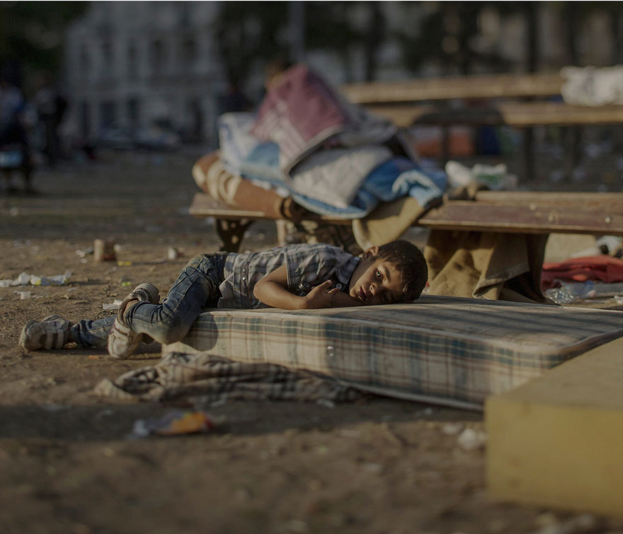 Photographer Reveals The Heartbreaking Places Syrian Refugee Children Sleep - Abdullah, 5 years old, Belgrad, Serbia