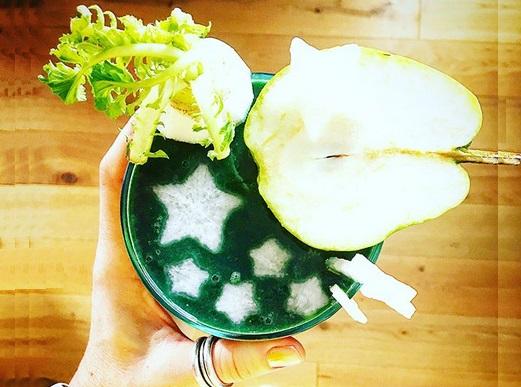 https://zielonekoktajle.blogspot.com/2017/12/biaa-rzepa-gruszka-spirulina-banan.html