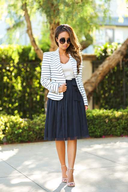 Tips and suggestions: How to wear navy stripes