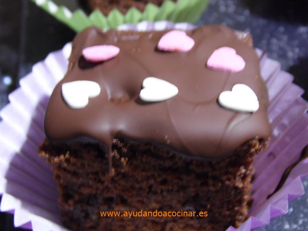 Bizcocho De Chocolate Y Nueces Pacanas Caramelizadas
