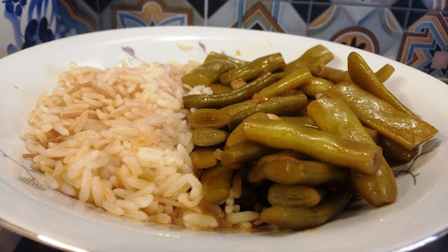 are highly consumed in Lebanon and cooked in different recipes either with meat or vegeta Green beans stew (loubyeh w rez) recipe