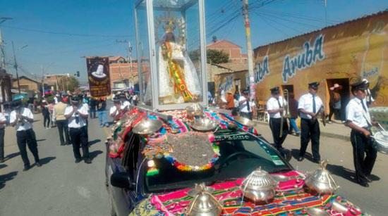 "Miles realizan la segunda promesa a la ""mamita"" en Quillacollo"