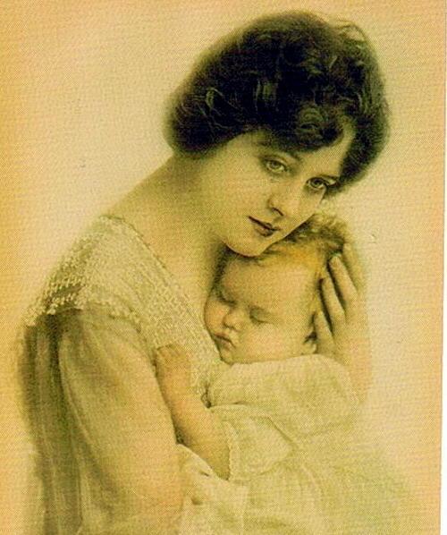 http://4.bp.blogspot.com/-x3rt57VdR2w/T8HSWRQ4YwI/AAAAAAAAGAI/mrhIgVgwJcw/s1600/mothers-day.jpg