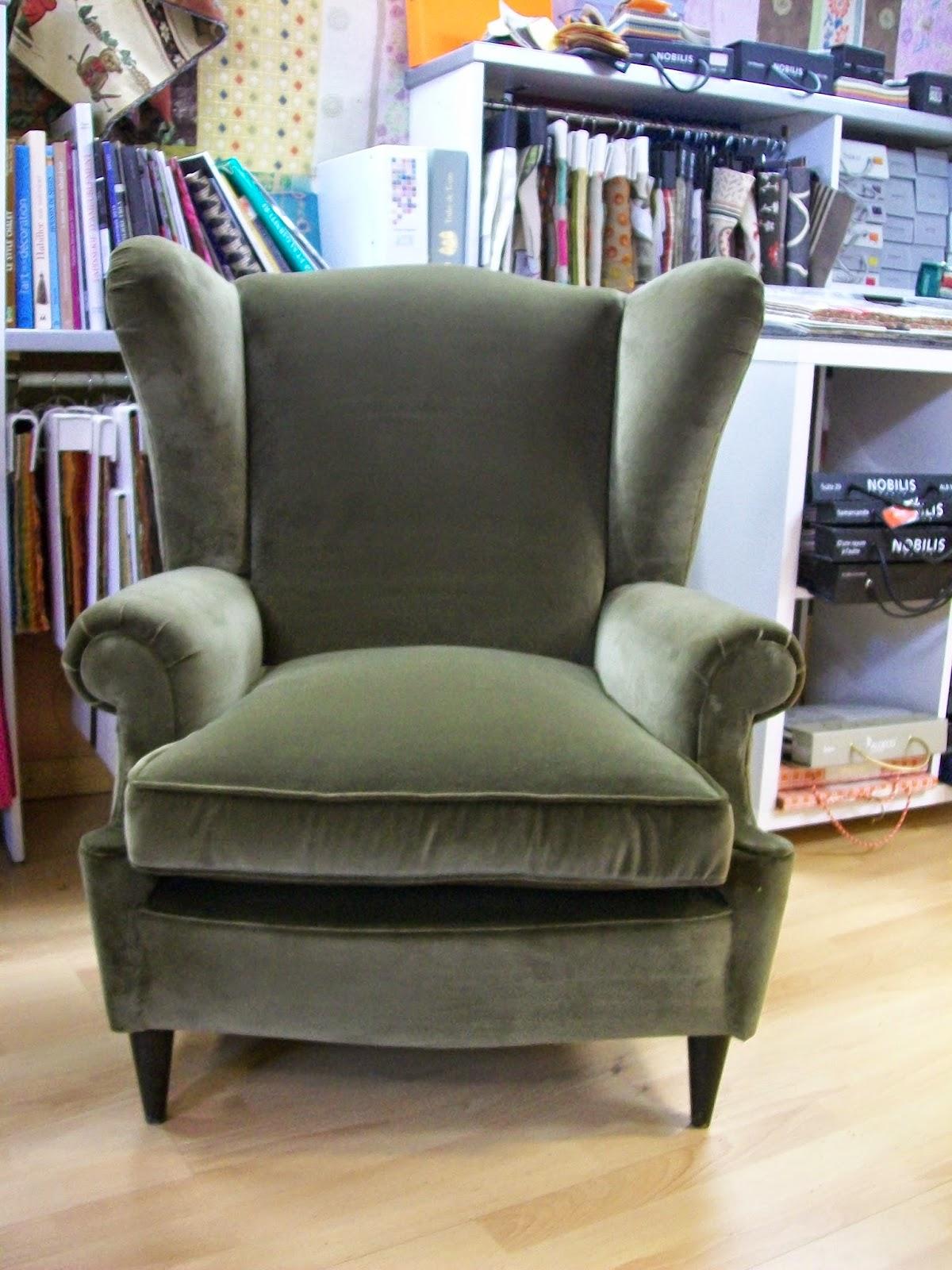 l 39 fauteuil anglais a oreilles. Black Bedroom Furniture Sets. Home Design Ideas