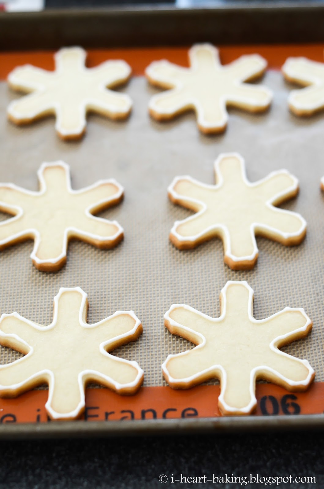 I Heart Baking Snowflake Cookies