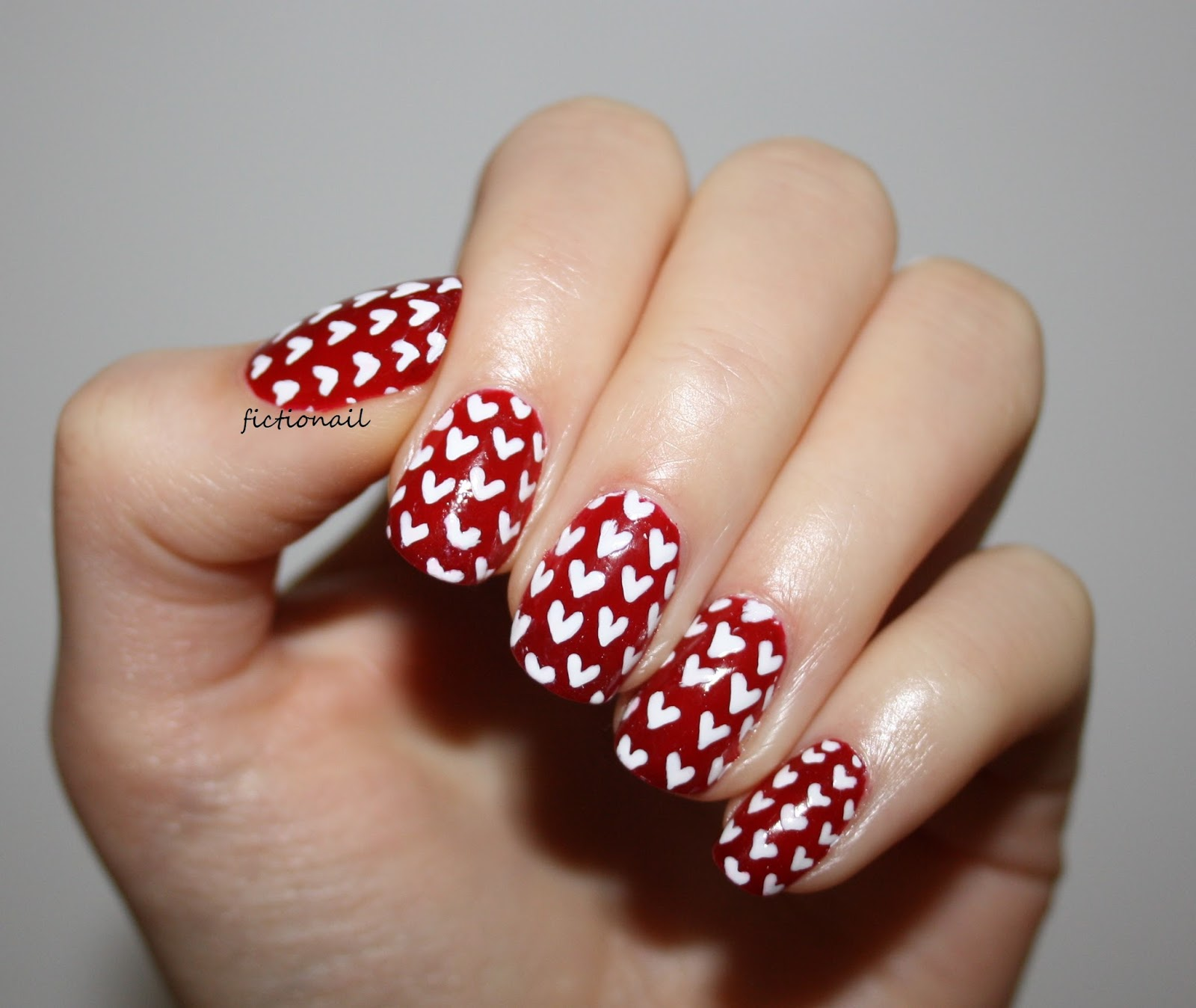 Heart Pattern Nails