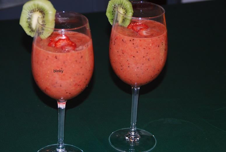 Las recetas de blinky batido de kiwi y fresas - Batidos de kiwi ...