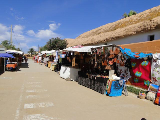 Calle de acceso a la playa de Zahora