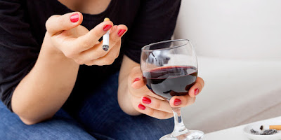 red-wine-before-smoking-can-offset-damage-to-blood-vessels