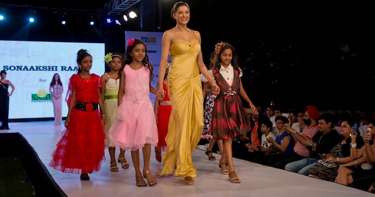 Fashion Lingua Sushmita Sen Dazzles On Ramp For Champs By Smile Foundation