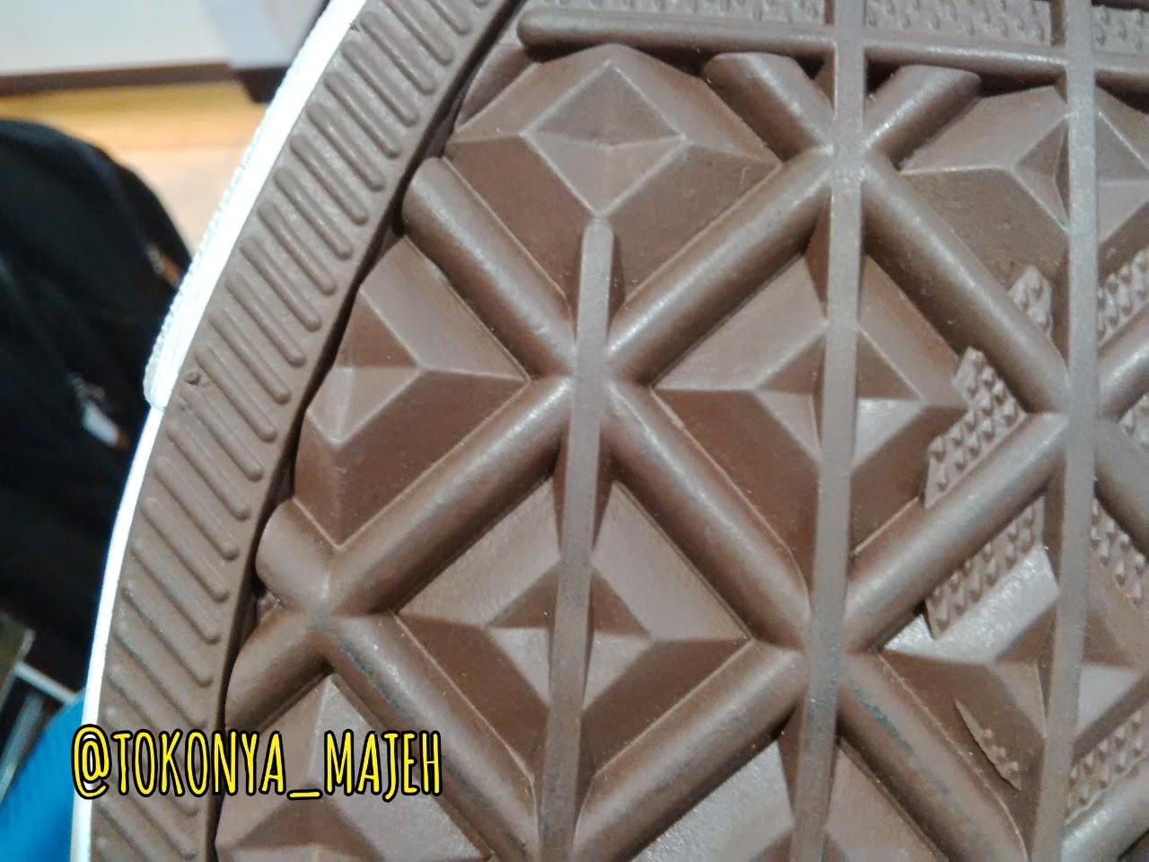 PUNYA MAJEH  Ciri-ciri Sepatu Converse Asli Original Made In ... 8069caa2ca