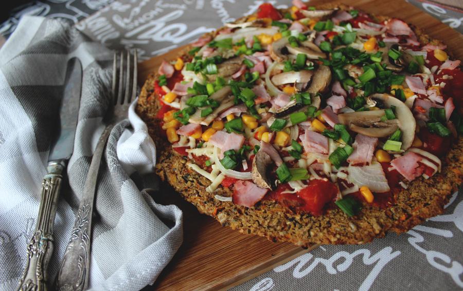 Bezglutenowa pizza gryczana, bez drożdży.