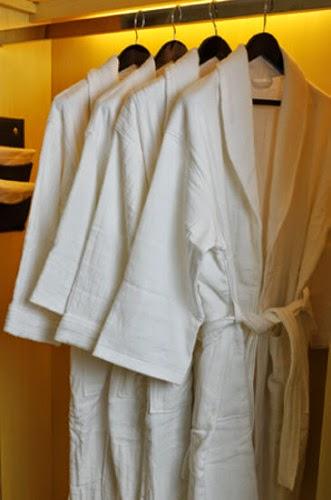 Halate de baie Hotel - Lenjerii de pat - Lenjerii de pat damasc / Lenjerii de pat bumbac | halate de baie hotel - Bucuresti, Cluj Napoca, Brasov, Constanta, Timisoara, Oradea, Pitesti