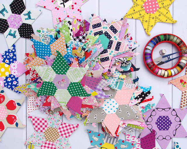 The Daisy Chain Quilt - An English Paper Piecing Project | Red Pepper Quilts 2016