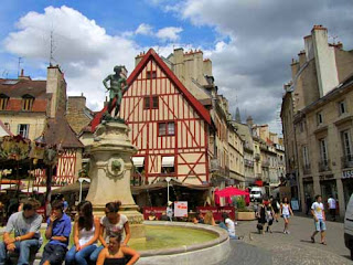 Place Francois Rude Dijon France
