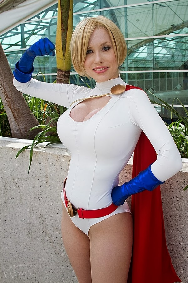 Galeria Especial Cosplay: Power Girl (DC Comics)