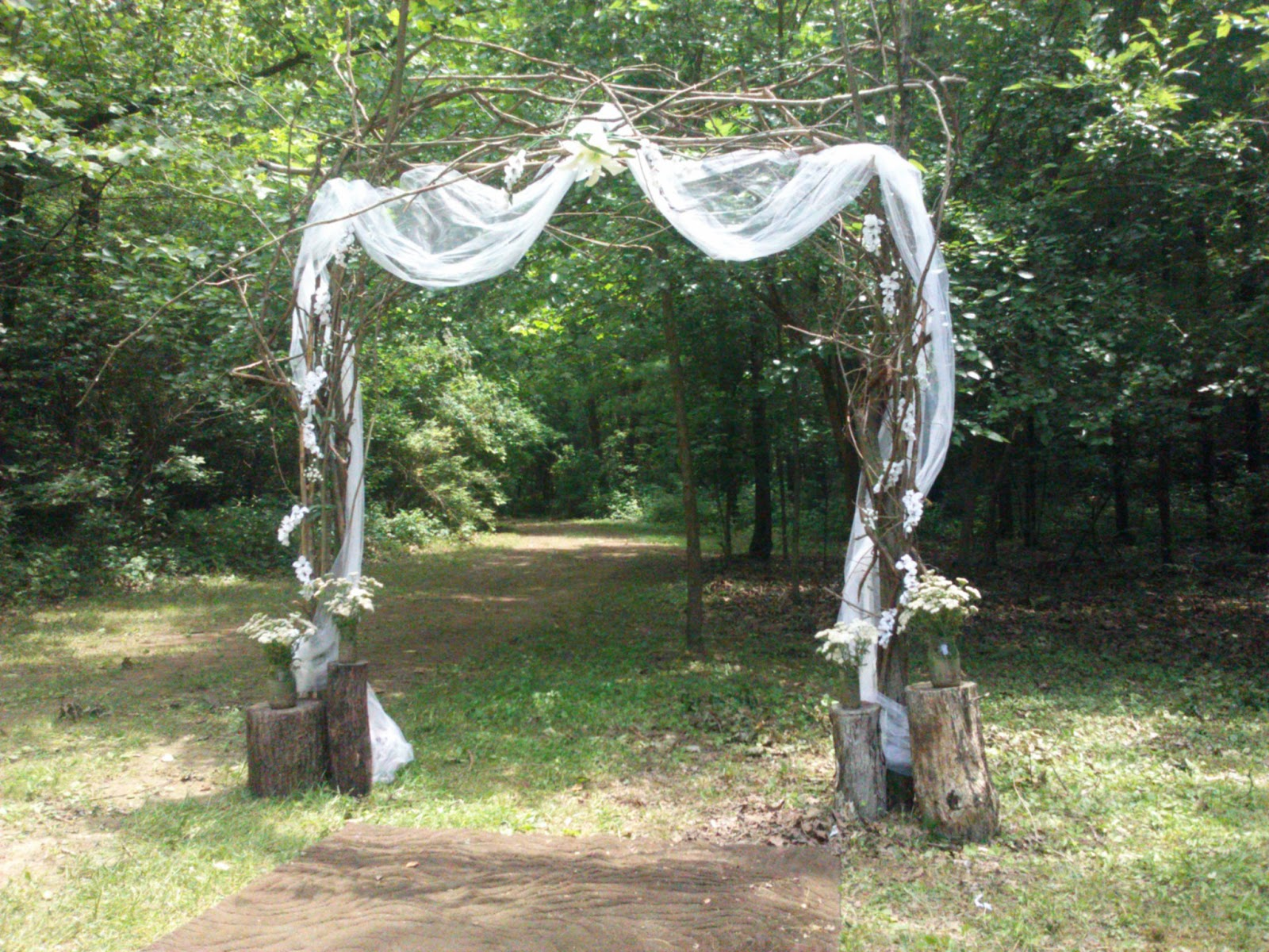 Handcrafted Occasions: Budget Rustic Outdoor Wedding