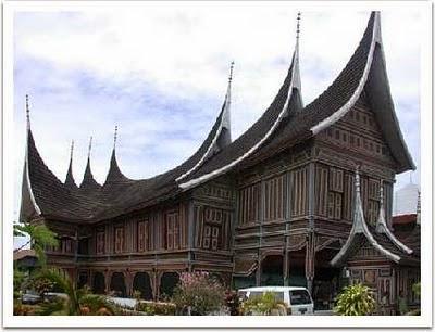 Budaya Minang Kabau Dengan Filosofi Adat Basandi Syarak, Syarak Basandi Kitabullah (ABS-SBK)