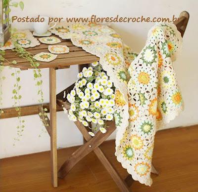 manta de crochê feita com square