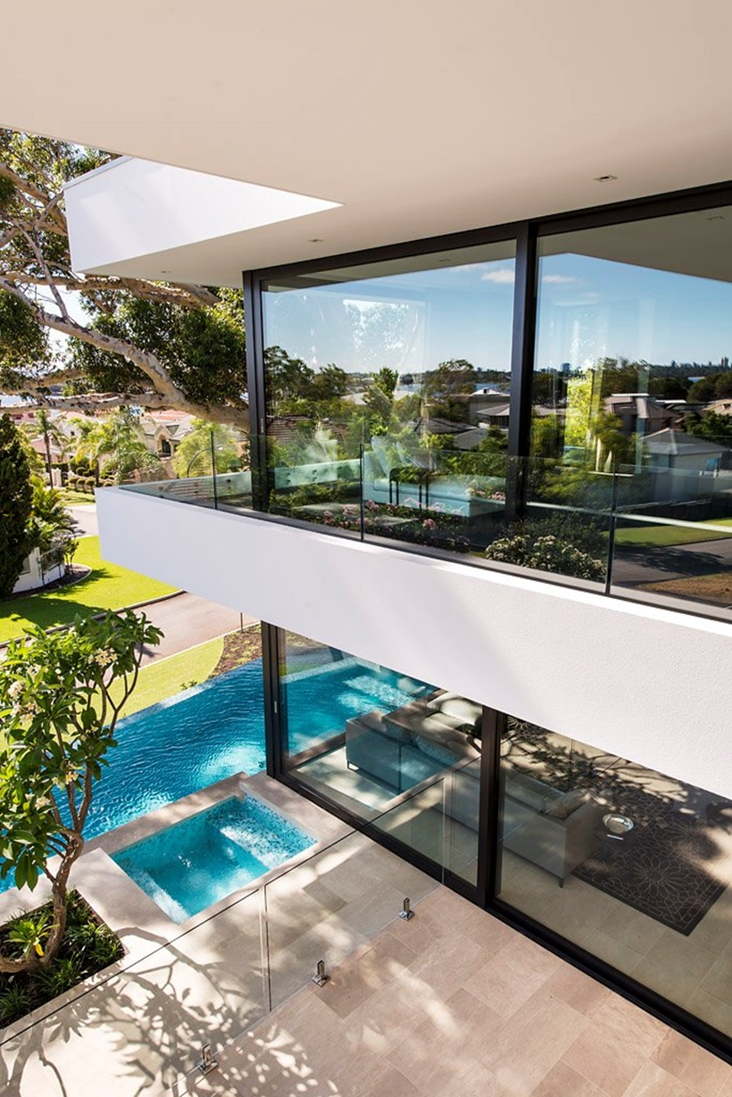 Balcony and glass walls by Urbane Projects