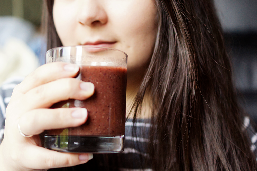 barely-there-beauty-blog-healthy-recipes-smoothie-glowing-skin