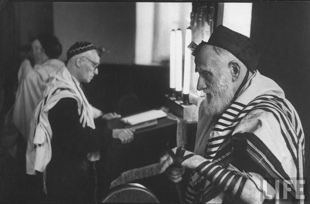 Holocaust Timeline | Timetoast timelines