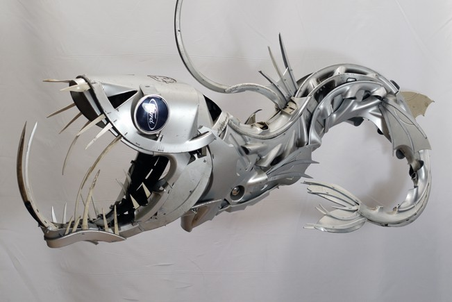 14-Viperfish-Ptolemy-Elrington-Hubcap-Creatures-and-other-Car-Parts-Animal-Sculptures-www-designstack-co