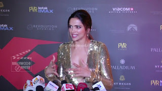 Deepika Padukone Promoting   Return of Xander Cage in India in Golde Gown 56 .xyz.jpg
