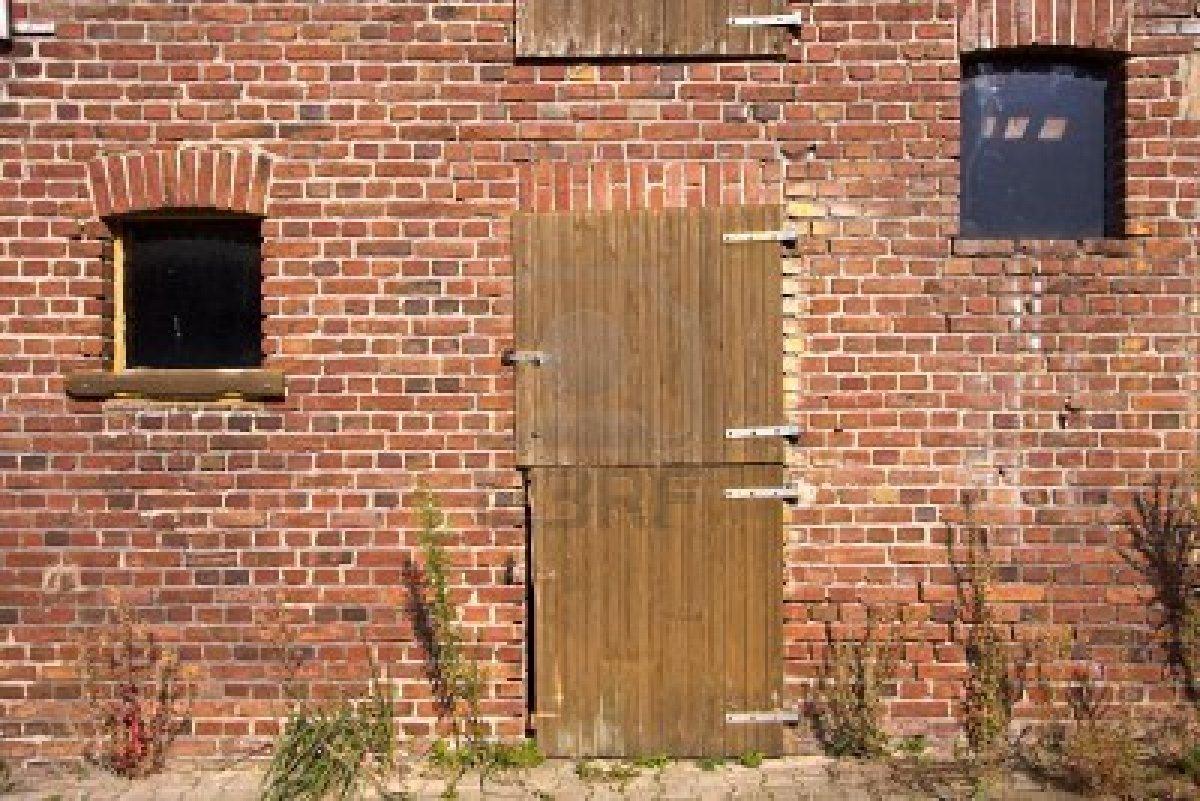 Living With Lis: OLD BUILDING RESTORATION