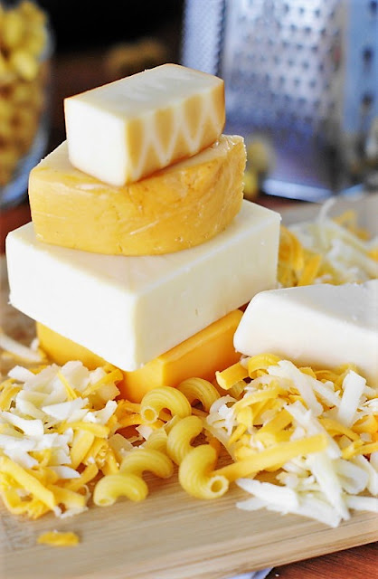 5 Cheeses for Macaroni and Cheese Image