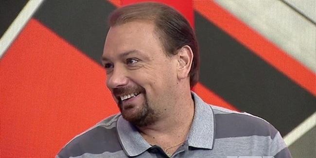 """Recém contratado pelo Esporte Interativo, Alê Oliveira revela sonho: """"Comentar jogo grande in loco"""""""