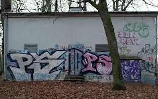 http://fotobabij.blogspot.com/2016/01/graffiti-w-parku-czartoryskich.html