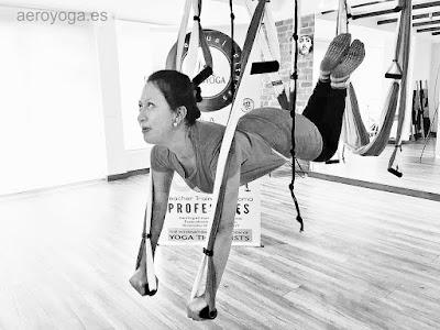 Formación Profesores Yoga Aéreo International en Ecuador, curso AeroYoga® y AeroPIlates® Oficial en Quito, Columpio yoga, Columpio Pilates