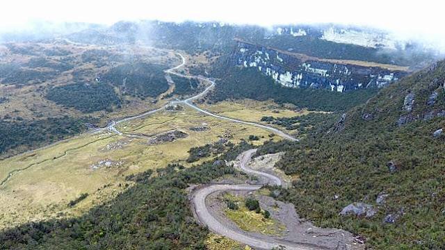 Pembangunan Jalan Dan Jembatan Dihentikan Sementara
