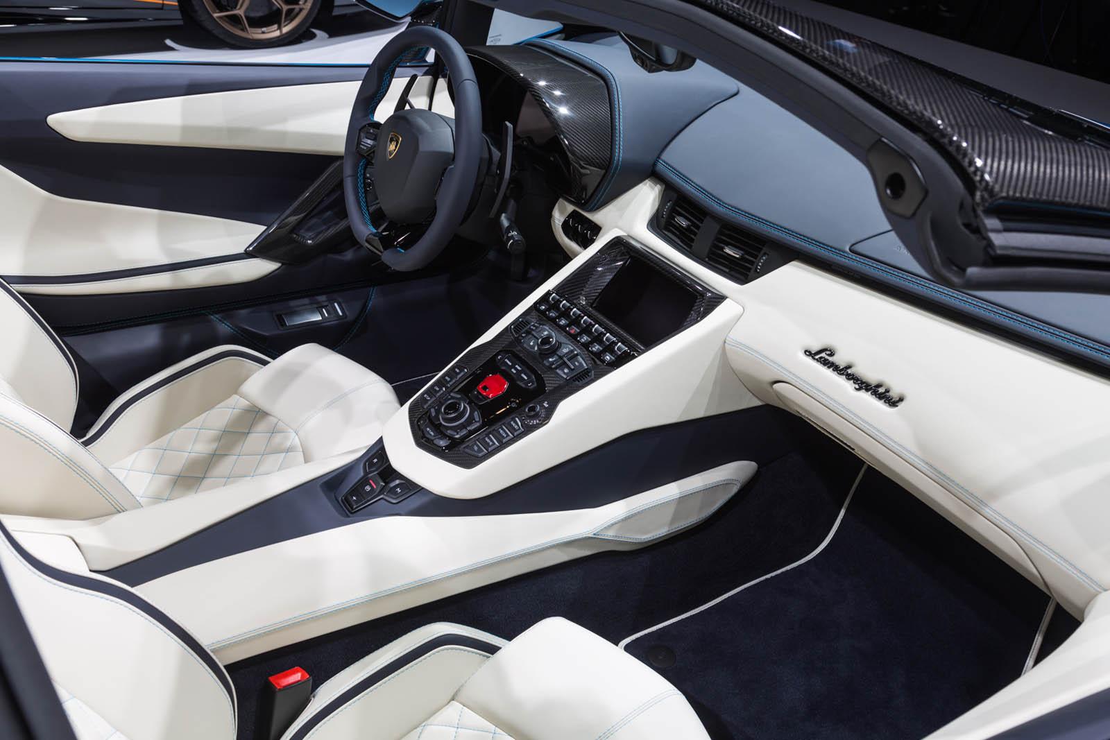 Lamborghini Aventador S Roadster Pops Its Top In Frankfurt