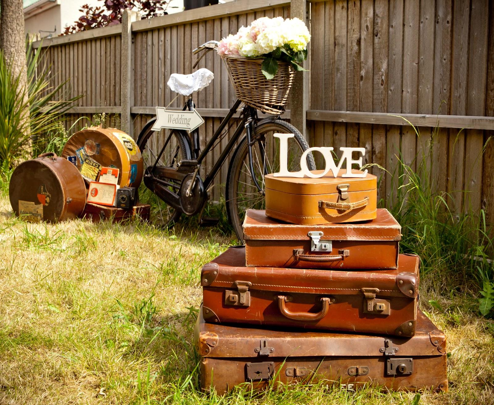 Wedding Photography Props: Bristol Vintage Wedding Fair: A SUNNY PROPS PHOTO SHOOT