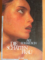 http://www.ullsteinbuchverlage.de/nc/buch/details/die-schattenfrau-9783548609386.html?cHash=1a8d629d29cdebbc052711356081fc26