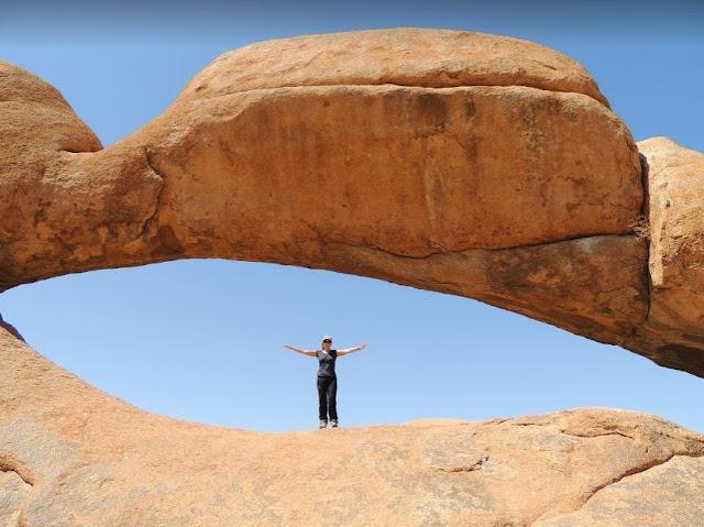 arco in pietra dello Spitzkoppe