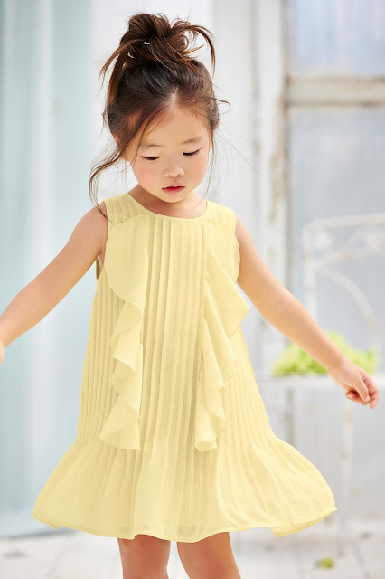 vestidos de niña a la moda