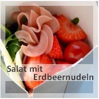 http://christinamachtwas.blogspot.de/2013/06/veggiegrillen-salat-mit-erdbeernudeln.html