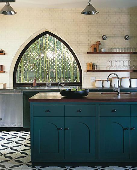 The Peak Of Très Chic Kitchen Light: The Peak Of Très Chic: Needing, Wanting, Loving: Green Walls