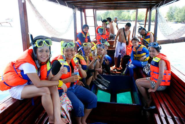 http://www.lomboksociety.web.id/2015/05/snorkeling-3-gili-gili-terawangan-gili.html