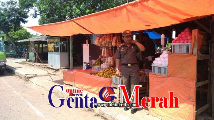 Mengganggu Area Pejalan Kaki, Sat Pol PP Pesawaran Desak Pedagang Segera Pindah