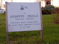 The similar plaque placed by  Milan Council