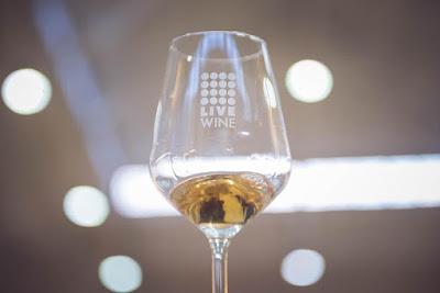 pic glass wine