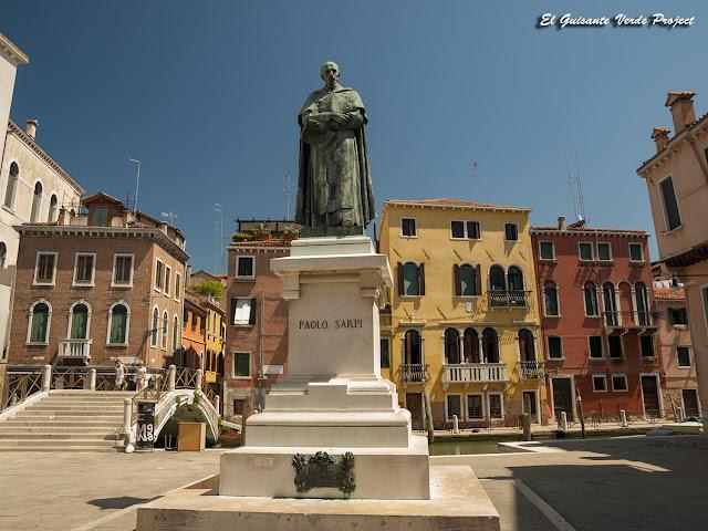 Campo Santa Fosca, Monumento a Paolo Sarpi - Cannaregio, Venecia por El Guisante Verde Project
