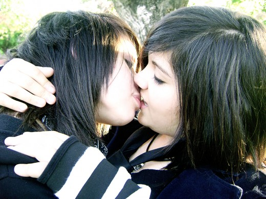 Emo Hair Emo Hairstyles Emo Haircuts Emo People Kissing