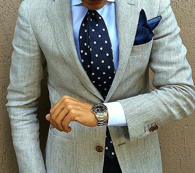 Ejemplo de combinación cromática de corbata y pañuelo ante chaqueta y camisa  de tonos similares 577577ccd54