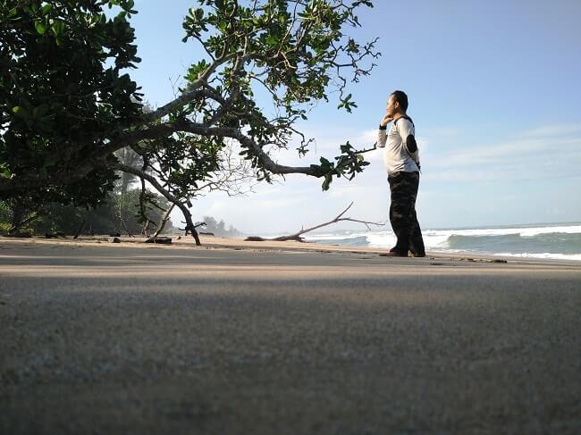 pantai bengkunat