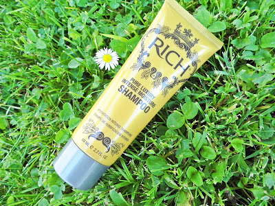 rich-pure-luxury-intense-moisture-shampoo-review-bottle-picture